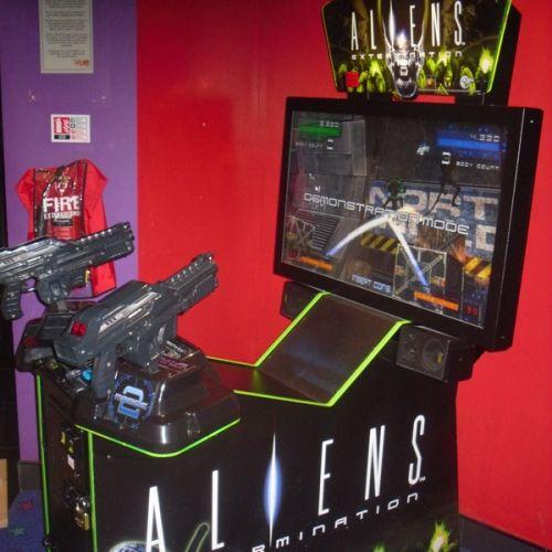Игровые автоматы Aliens Attack – играть в онлайн слоты Bet2Tech
